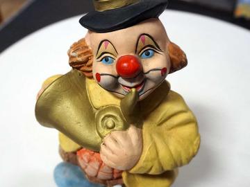 Vente: Grande Tirelire en figurine clown musicien