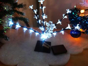 Vente: Décoration de Noël - Arbre lumineux 30 Led