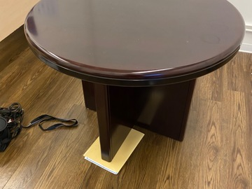Selling with online payment: Gorgeous wood Table