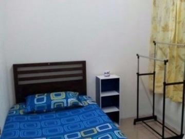 For rent: Facilities Provided! Room at Bandar Kinrara