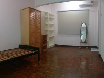 For rent: Room to Rent at Bandar Puteri Puchong Inc WIFI