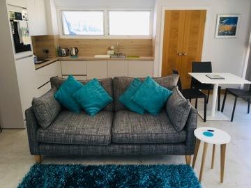 Accommodation Per Night: Modern, bright St Brelade apartment near beaches - High season