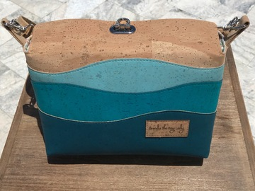 Selling with online payment: Seaside Cork Flip Top Purse