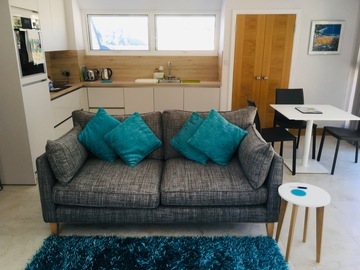 Accommodation Per Night: Modern, bright St Brelade apartment near beaches - Low season