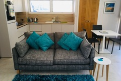 Accommodation Per Night: Modern, bright St Brelade apartment near beaches - Low season
