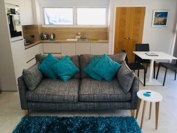 Accommodation Per Night: Modern, bright St Brelade apartment near beaches - Late season