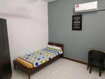 For rent: Double Storey House! KEPONG TAMAN FADASON