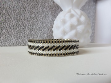 Vente au détail: BRACELET BANGLE SANDRA