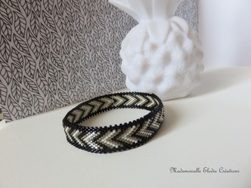 Vente au détail: BRACELET BANGLE MASHA
