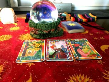Selling: 5 questions yes or no tarot reading - NEAL