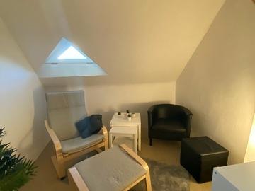 Vermiete Gym pro H: Raum für Hypnose/Coaching/Meditation mit angenehmer Atmosphäre