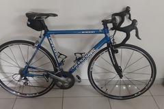 Private sale: Cannondale R3000 Road Bike