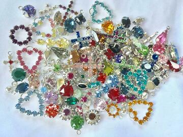 Liquidation/Wholesale Lot: 100 pieces Swarovski Charms Assorted Styles and Colors
