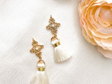 : Gold Plated Detailed Filigree Tassel Earrings - White