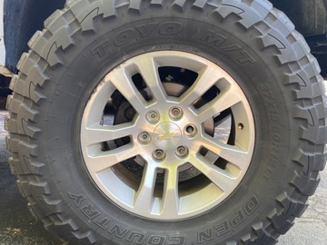 Selling: 18s and 37s Toyo Off Country