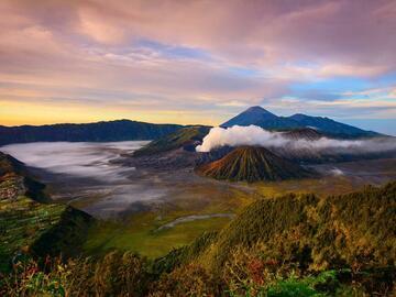Réserver (avec paiement en ligne): Volcans et Culture de Java à Bali - Indonésie