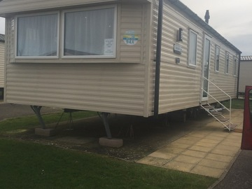 Online Bookings: Weymouth Littlesea Sleeps 8 immaculate condition