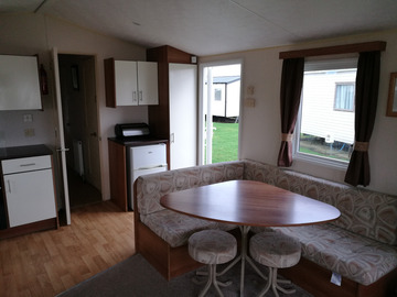 Set Nightly Pricing : Three bedroom pet friendly static at Cayton Bay, N.Yorkshire