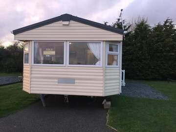 Online Bookings: 3 bedroom Caravan Lizard Point Cornwall