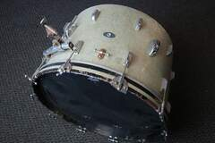 Selling with online payment: Leedy Vintage 22x14 Bass Drum Silver Sparkle
