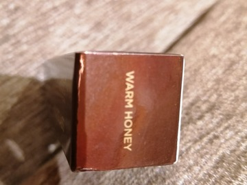"Venta: Base de maquillaje en barra Hourglass tono ""Warm Honey"""