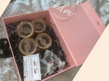 For Sale: Small lash gift box (4)