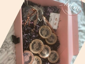 For Sale: Large lash gift box