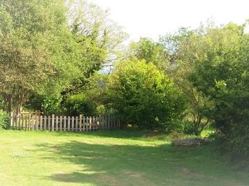 NOS JARDINS A LOUER: Jardin avec accès au mobil home