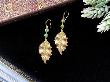 : Gold plated Ilex Opaca Pendant Earrings