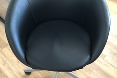 Giving away: Office chairs cushioned in black for free