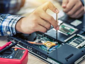 Servicios: Reparación de Computadoras y Mantenimiento