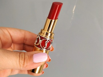 Venta: YSL  Rouge Volupté Shine Nº 83
