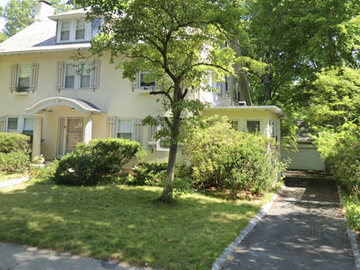 Monthly Rentals (Owner approval required): Brookline MA,  Flat Private Driveway Parking.