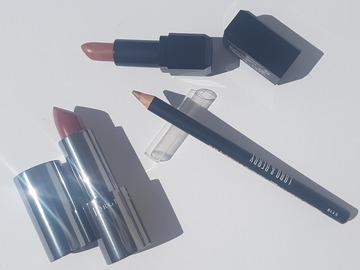 Venta: Pack de labiales y un lápiz
