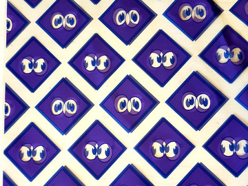 """Selling with online payment: 175 Supply bags with purple eyeballs /10"""" x 7"""""""
