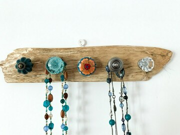 : Driftwood Necklace Holder - Flowers