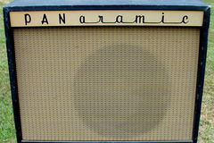 Selling with online payment: 1960s PAN-aramic tube amplifier (Magnatone) Hear it on video