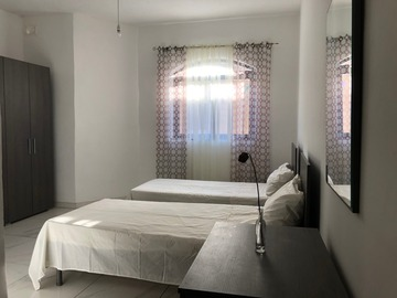 Rooms for rent: A room with 2 single beds in a Maisonette, Fgura