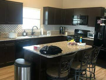 Offering without online payment: Overglade Painting Kitchen Cabinet Painters at Orlando