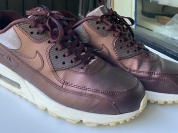 Myydään: Nike Air MAX 90 sneakers