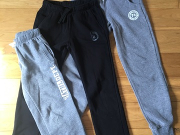 Vente: Lot de joggings - 6€
