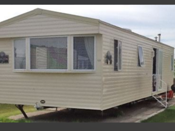 Online Bookings: PRIVATELY OWNED 6 BERTH CARAVAN AT FAMILY PARK BY THE BEACH