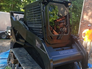 Renting out equipment (w/ operator): Caterpillar 257 Compact track loader with operator