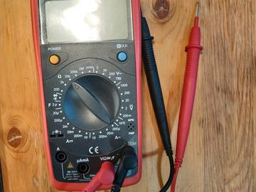 Myydään: Digital Multimeters