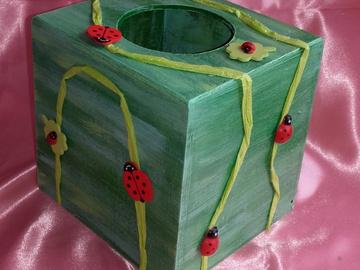 Vente au détail: Boîte à mouchoirs coccinelle