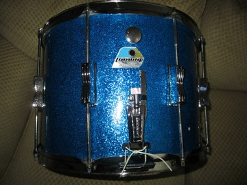 Selling with online payment: Ludwig Blue Sparkle Marching/Parade Snare 14 X 10 Blue Olive Badg