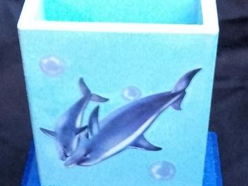 Vente au détail: Pot à crayon dauphin