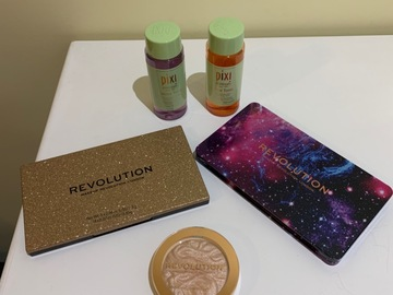 Venta: Pack Pixi + Makeup Revolution (para Martha)