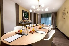 Renting with online payment: Alquiler Boardroom para reuniones 4 personas