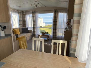 Set Nightly Pricing : Sea View Platinum Grade 8 Berth (Sandy Bay)